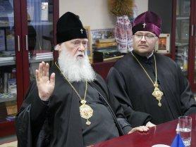 Патріарх Філарет нагородив журналістів і воїнів АТО з Криму