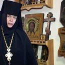 Настоятелька одеського монастиря знову возила дітей до Патріарха Кирила: він подарував їм торт