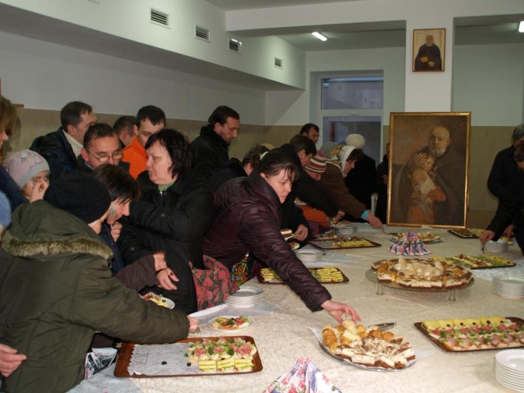 Римо-католики у Львові відкрили притулок для безхатченків