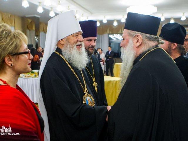 Одеська єпархія УПЦ не змогла знайти для українців священиків, які служать українською, зате