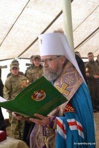 Митрополит УПЦ дякує військовим, які разом з капеланами
