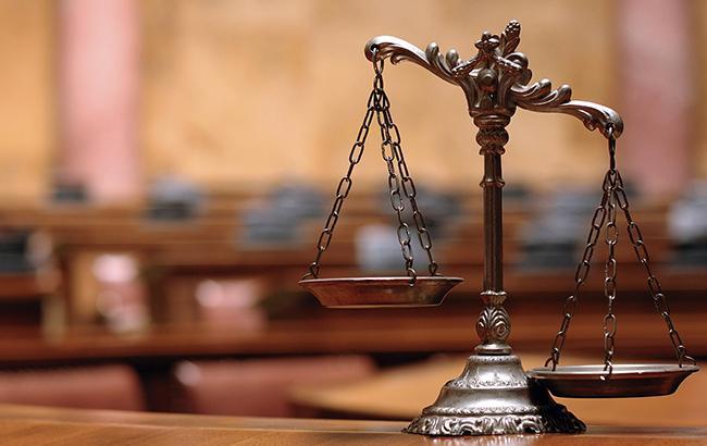 Суд над Януковичем выясняет связь