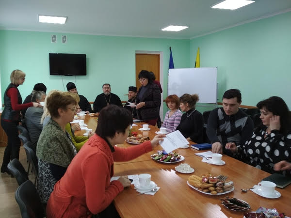 Священики-учасники міжконфесійного круглого столу на Луганщині дійшли згоди щодо служіння школярам