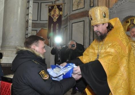 УПЦ в Крыму освятила флаги боевых кораблей России
