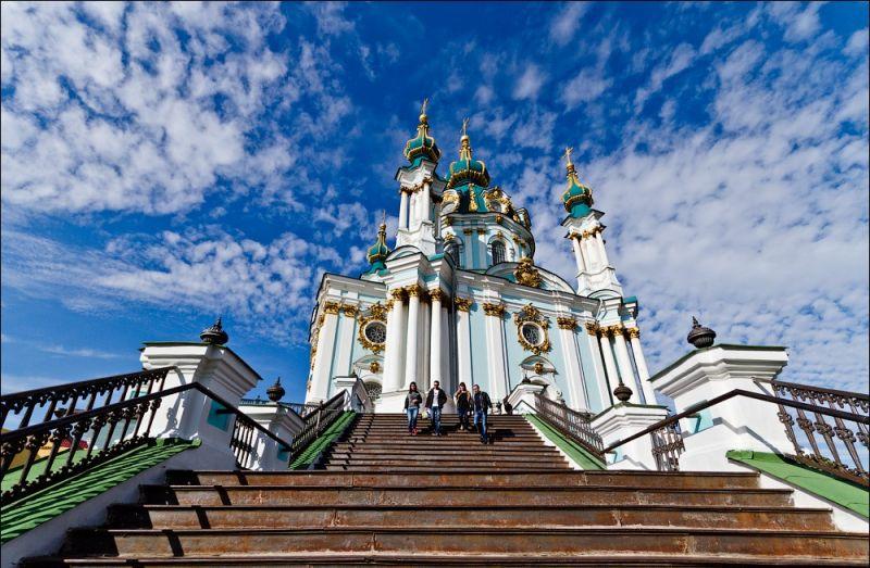 У столиці відкривається виставка шедеврів інтер'єру Андріївської церкви