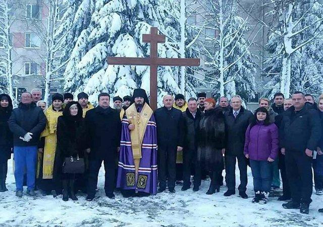 УПЦ КП освятила у Дніпрі храм військової частини, а у Житомирі — місце під каплицю у дитячій лікарні
