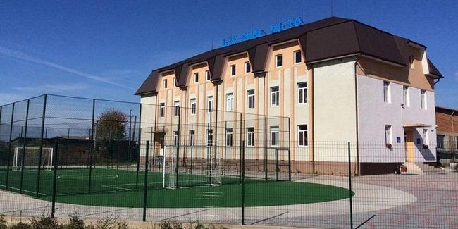 Закарпатский бизнесмен превратил фабрику в адвентистскую школу