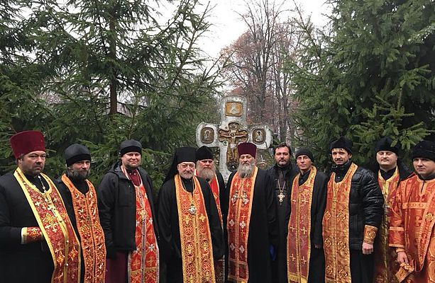 На Лук'янівському цвинтарі відновили та освятили пам'ятники священикам УАПЦ